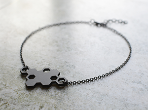bee_mine_necklace_engstromdesign_02_300px